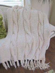 Knit Blanket Pattern, Super Bulky Knit Blanket Pattern, Easy Knitting Patterns b. Knit Blanket Pattern, Super Bulky Knit Blanket Pattern, Easy Knitting Patterns by Deborah O'Leary Easy Blanket Knitting Patterns, Knitting Ideas, Knitting Projects, Chunky Knit Throw Blanket, Chunky Crochet, Knitted Blankets, Etsy, Circular Needles, Warm