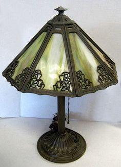 Vintage Tiffany Style Lamps   VINTAGE BRADLEY & HUBBARD TIFFANY STYLE SLAG GLASS TABLE LAMP