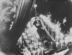 Capilla ardiente con el cadáver del rey Luis II (1886 LUDWIG II OF BAVARIA)