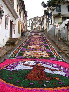 Street decorations in Ouro Preto, Minas Gerais, Brazil Places Around The World, Travel Around The World, Around The Worlds, World Street, Street Art, Beautiful World, Beautiful Places, Amazing Places, Voyage Europe