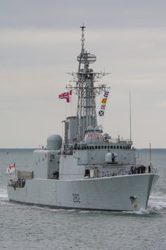Information, photos and AIS vessel tracker for the Ship HMCS Athabaskan (IMO 0000000 Royal Canadian Navy, Canadian Army, Royal Navy, Blue Water Navy, Ship Tracker, Navy Day, Rubber Raincoats, Navy Ships, Military Life