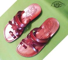 Own&Adore Flower #slipper. Flat Leather Straps with Toe loop. Women's Jarusalem Sandal from Own&Adore.