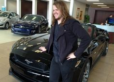2014 American Idol winner Caleb Johnson returned to his hometown Monday to pick up his new set of wheels.