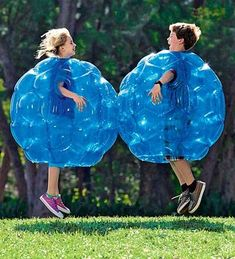 The Buddy Bumper Balls by Hearthsong Will Entertain Kids and Adults trendhunter.com