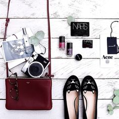 Gorgeous setting, kitty shoes, what's not to love about this? #flatlay #photography