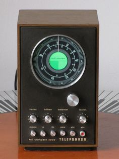 Telefunken Hifi Compact 2000 vintage radio: