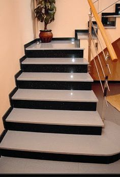 Stairs Tiles Design, Staircase Design Modern, Staircase Railing Design, Modern Exterior House Designs, Home Stairs Design, House Gate Design, Bungalow House Design, House Front Design, Small House Design