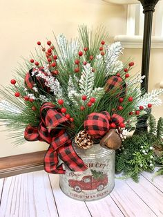 Country Christmas Decorations, Farmhouse Christmas Decor, Primitive Christmas, Rustic Christmas, Xmas Decorations, Holiday Decorating, Christmas Red Truck, Christmas Post, Christmas Projects