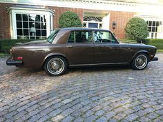 1973-80 Rolls-Royce Silver Shadow ( The front and rear bumpers underwent major changes in 1973 to improve their integrity and function)