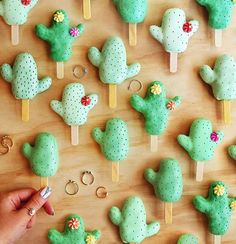 Cactus cake pops that I made for @wanderlustandco featuring their jewels for my edit! ✨ This exciting blog post is going up tonight friends! Check the link in bio real soon. #WCOgirlgang