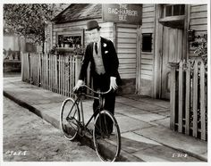 Fred Allen in The Installment Collector. Photo: Hollywood Rides a Bike (Angel City Press)