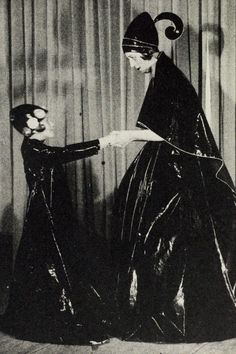 Jeanne Lanvin and daughter Marguerite in 1907