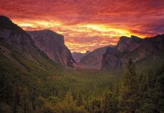 https://flic.kr/p/uZ1pms | Red rising. (Explored) | Follow me: Facebook * 500px * website Tunnel View, Yosemite, California