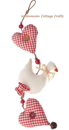 Heart and Goose wall hanging. £12.00, via Etsy.