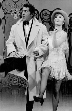 Dean Martin and Florence Henderson from The Dean Martin Show. Dean Martin, Martin Show, Classic Hollywood, Old Hollywood, Ann B Davis, Florence Henderson, Joey Bishop, Jerry Lewis, Famous Singers