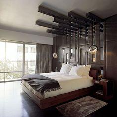 des lampes suspendues et designs dans la chambre à coucher