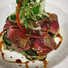 Beef #tataki with house ponzu on top of deep fried soba noodle roll by thenextjapanese