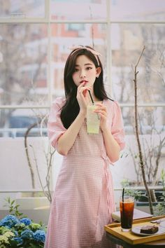 ᗰIᒪKᑕOᑕOᗩ Modern Fashion Outfits, Blackpink Fashion, Korean Fashion, Fashion Models, Fashion Beauty, Fashion Dresses, Asian Cute, Beautiful Asian Girls, Korean Beauty Girls