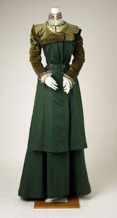 1897-98 walking suit Metropolitan Museum