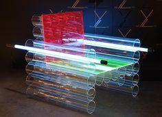 Interlux chair : Néons et Plexiglass Plus