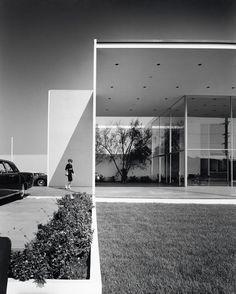 Duffield's in Long Beach, 1963, by killingsworth brady + associates, photo by Julius Schulman