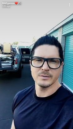 Honestly, he's not that cute Ghost Adventures Funny, Ghost Adventures Zak Bagans, Best Tv Shows, Favorite Tv Shows, Hunting Shows, Ghost Hunters, Haunted Places, Dwayne Johnson, Man Crush