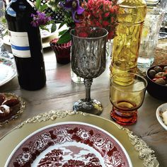 High wine, table setting, vintage, flowers, gold, colored glass, bohemian chique