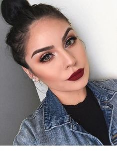 # Make-up Lippen Professional Makeup Course online! Bold Lip Makeup, Make Makeup, Glam Makeup, Bold Makeup Looks, Makeup Kit, Simple Makeup, Party Makeup, Makeup Tools, Makeup Products