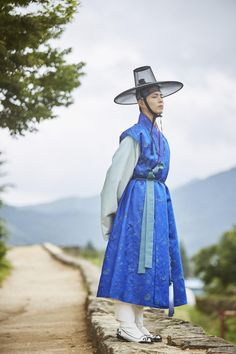 """Hanbok Designer Praises Park Bo Gum, Reveals Beautiful Pictures From """"Moonlight Drawn By Clouds"""" Korean Hanbok, Korean Dress, Korean Outfits, Korean Traditional Dress, Traditional Fashion, Traditional Dresses, Korean People, Korean Men, Korean Actors"""