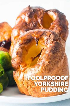 A Yorkshire pudding is a thing of great beauty and a stalwart of and British Roast Dinner forget the frozen ones go big on this foolproof recipe. English Roast, English Food, English Recipes, Best Yorkshire Pudding Recipes, British Recipes, Yorkshire Recipes, Roast Beef Dinner Sides, Roast Dinner Side Dishes, Vegetarian