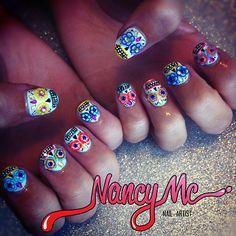 sugar skull nails, I wish I was this good.