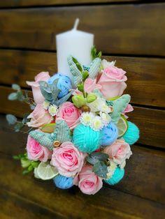 Baptism Candle, Diy Candles, Christening, Flower Designs, Flower Arrangements, Diy And Crafts, Wedding Flowers, Centerpieces, Baby Shower