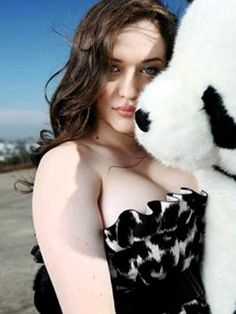 Kat Dennings milky cleavage collection – Hot and Sexy Actress Pictures Kat Dennings, 2 Broke Girls, Max Black, Glamour, Woman Crush, Beautiful Women, Beautiful People, Hollywood, Celebs