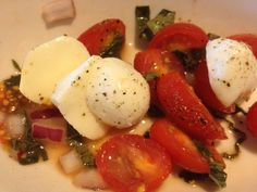 TGI Fridays Tomato and Mozzarella Salad Review - News - Bubblews