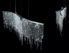 Image from http://www.nellavetrina.com/Italamp-2305-Swarovski-Crystal-Chandeliers-Hanging-Lights-P2941/999H01990381_383.jpg.