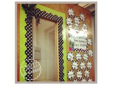 Finally found my door decor for next year! I absolutely love the border around the window too:)