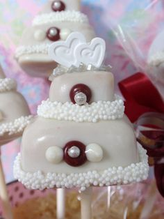 fancy wedding cake pops