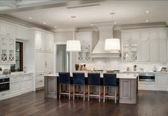 Kitchen. Pale Gray Kitchen. Gray Kitchen Ideas. Kitchen with gray cabinets and grey walls. #Kitchen #GreyKitchen