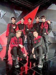 Kim Sun, Sung Hoon, Red Aesthetic, Kpop Aesthetic, K Idols, South Korean Boy Band, Bad Boys, Mini Albums, Boy Bands