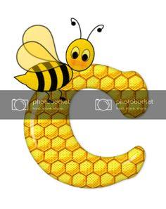 Alfabeto de abeja sobre letras de panal. - Oh my Alfabetos! Blogger Templates, Tigger, Disney Characters, Fictional Characters, Alphabet, Honeycomb, Bees, Lyrics, Art