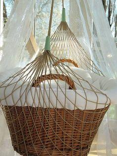lullababy therapeutically baby movement federwiege mit kurzer feder impressionen lullababy. Black Bedroom Furniture Sets. Home Design Ideas