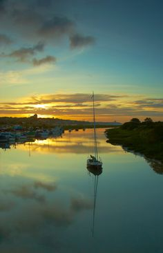 Dawn rises over Leigh Creek, Leigh-on-Sea.  by Chris Shepherd