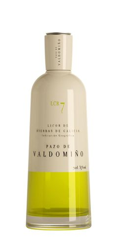 Licor de Hierbas Pazo de Valdomiño {dunno what the hell is this. but this is so interesting}