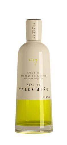 Licor de Hierbas Pazo de Valdomiño #packaging #design