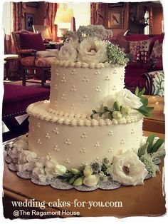 A small wedding cake with a dotted swiss design @ wedding-cakes-for-you.com