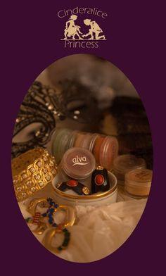 Cheap & Perfect & Beautiful  #DIY_Sculpting_Cream #DIY_Sculpt_Makeup #DIY_Sculpt_Make_up #alva_colourpigments_and_coconut_oil #fresh #vegan #crueltyfree #bio #beauty #Vintage_Fotoshooting #Musical_Braodway #dress_collection_Cinderalice #Vintage_Fotostudio_Stephanie_von_Westernhagen #alva_Naturkosmetik #konturieren_und_highlighten #Make_up_Schablone_Cinderalice #Ziegeld_Follies_dress #Contouring_Makeup