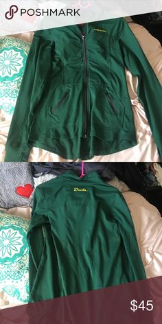 Oregon ducks sweater Green Oregon duck sweater, brand new without tags Sweaters