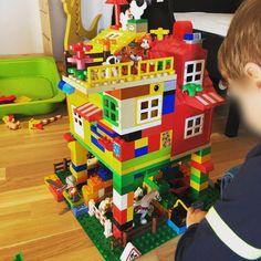Die schönste Zeit ist die Spielzeit mit LEGOⓇ DUPLOⓇ! Teilnehmer vom Gewinnspiel LEGOⓇ DUPLOⓇ und Echte Mamas Lego Duplo, Gingerbread, Social Behavior, Games, Kids, Lego Duplo Table, Ginger Beard
