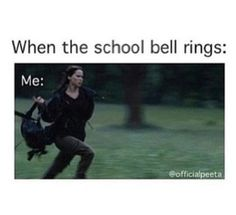 School IS like the Arena fromThe Hunger Games Hunger Games Humor, Hunger Games Catching Fire, Hunger Games Trilogy, Funny School Jokes, School Humor, Funny Jokes, Hilarious, Friday Movie, Have A Laugh