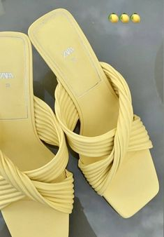 Classy Girl, Hype Shoes, Pretty Shoes, Strappy Heels, Kicks, Footwear, Sandals, My Style, How To Wear